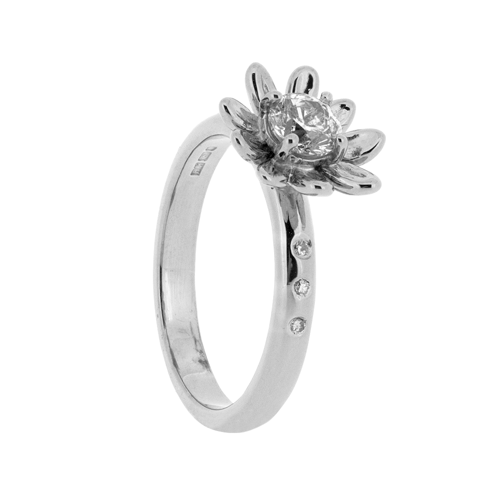 rings flower shaped ring engagement and in sapphire cluster platinum img carat diamond image vintage daisy