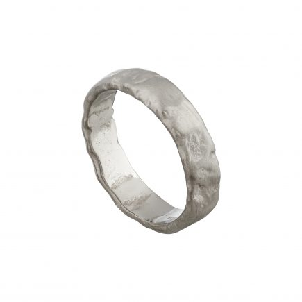 18ct white gold heavy molten wedding ring