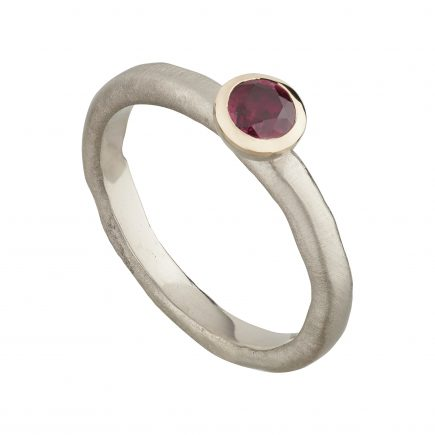 18ct white gold and Ruby fine Molten engagement ring
