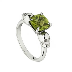 9ct white gold and peridot double skull ring
