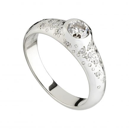 18ct white gold and white diamond Stardust ring