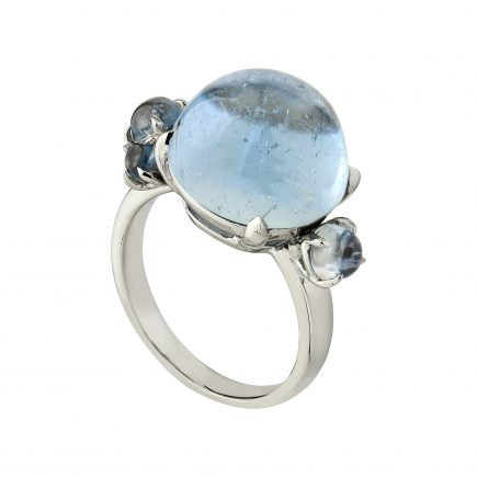 18ct white gold and Cabochon Aquamarine Bubble ring
