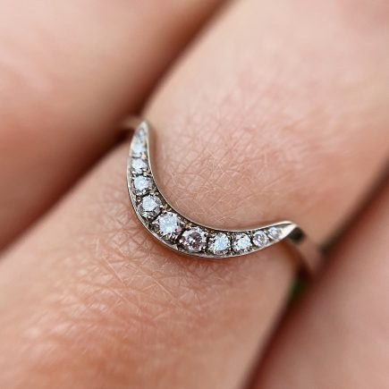 18CT WHITE GOLD CRESCENT DIAMOND RING WITH WHITE DIAMOND