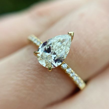 18ct Yellow Gold, Pear-Shaped Pale Yellow Diamond ring with Diamond Shoulders