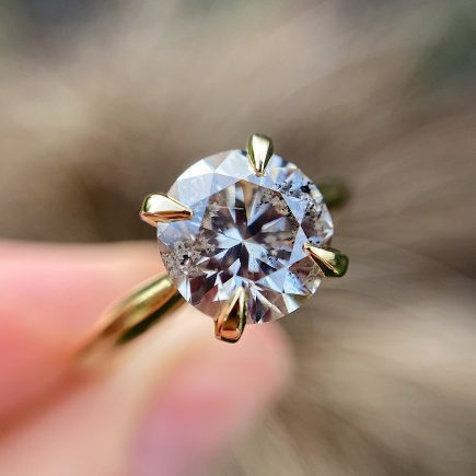Stellar Champagne diamond and yellow gold engagement ring
