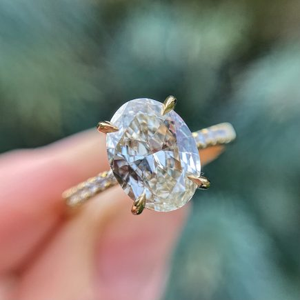 18ct yellow gold 1.50ct pale yellow Oval diamond engagement ring