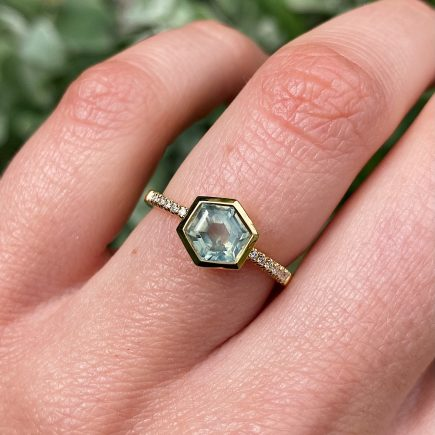 18ct Yellow Gold Sage Green Hexagon Sapphire Ring