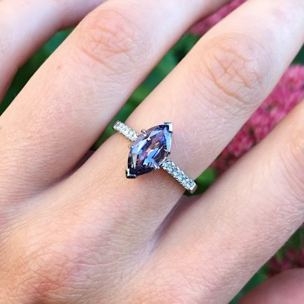 18ct White Gold Marquise Purple Spinel Ring with Diamond Shoulders