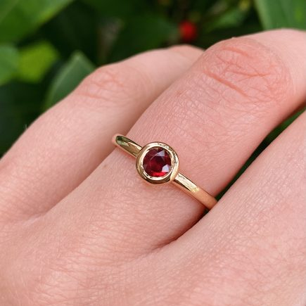 18ct Yellow Gold and Ruby Ring